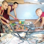 Compassionate_Young_Leaders_Science_Monks_Technology_008